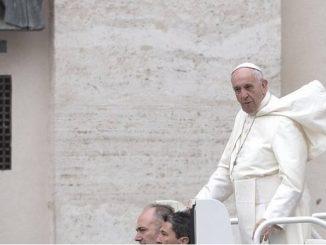 """""""Kościół jest misyjny ze swej natury. Gdyby tak nie było, to nie byłby on Kościołem Chrystusa, ale stowarzyszeniem pośród wielu innych, które bardzo szybko wyczerpałoby <a class=""""mh-excerpt-more"""" href=""""http://www.zyciezakonne.pl/wiadomosci/swiat/papiez-swiatowy-dzien-misyjny-istota-misji-chrzescijanskiej-72581/"""" title=""""Papież na Światowy Dzień Misyjny: co jest istotą misji chrześcijańskiej?"""">[...]</a>"""