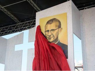 Męczennikiem za powołania kapłańskie i zakonne można nazwać bł. Tytusa Zemana SDB.