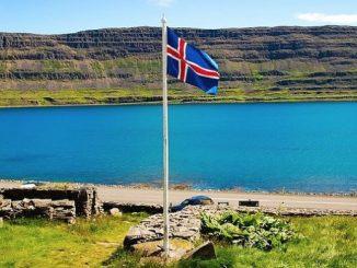 """Pierwszy Światowy Dzień Ubogich będzie obchodzony także w Islandii. Ordynariusz Reykjavíku bp David Tencer weźmie 18 listopada udział w spotkaniu w schronisku prowadzonym przez siostry <a class=""""mh-excerpt-more"""" href=""""https://www.zyciezakonne.pl/wiadomosci/swiat/swiatowy-dzien-ubogich-islandii-spotkanie-u-misjonarek-milosci-73191/"""" title=""""Światowy Dzień Ubogich w Islandii: spotkanie u misjonarek miłości"""">[...]</a>"""