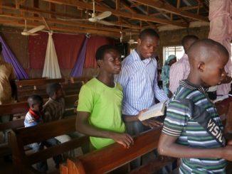 Podczas dzisiejszego spotkania z wiernymi Franciszek odniósł się również do jednej z wielu tragedii, które przeżywa Kościół w Nigerii.