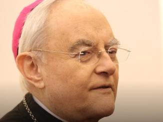 Chciałbym serdecznie podziękować wszystkim za to, co przeżyłem jako biskup warszawsko-praski, za to co udało nam się wspólnie zrobić.