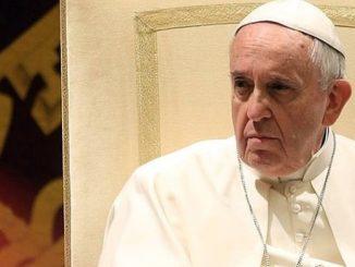"""Rozeznanie duszpasterskie jest jedną z rzeczy najbardziej potrzebnych dziś Kościołowi. Nie można ograniczać się do reguł ogólnych, czy kazuistyki – powiedział papież do chilijskich jezuitów <a class=""""mh-excerpt-more"""" href=""""https://www.zyciezakonne.pl/wiadomosci/swiat/reaguje-papiez-franciszek-oskarza-sie-go-o-herezje-74919/"""" title=""""Jak reaguje papież Franciszek gdy oskarża się go o herezje?"""">[...]</a>"""