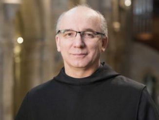 """Nowy arcyopat Pannonhalma, o. Cirill Tamás Hortobágyi OSB urodził się 12 lutego 1959 roku w Nagytálya, około 40 km. na południowy zachód od Miszkolca. W <a class=""""mh-excerpt-more"""" href=""""http://www.zyciezakonne.pl/wiadomosci/swiat/watykan-papiez-mianowal-nowych-biskupow-tym-benedyktyna-wegier-74945/"""" title=""""Watykan: papież mianował nowych biskupów, w tym benedyktyna z Węgier"""">[...]</a>"""