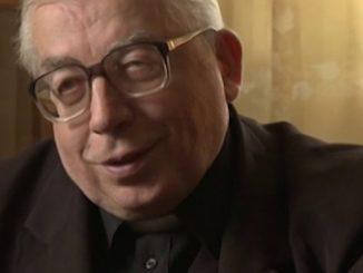 Ks. prof. dr hab. Jan Kowalski urodził się 4 czerwca 1930 r. we wsi Krępa k. Miechowa, w parafii Gołcza.