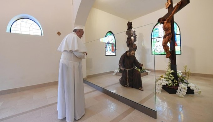 """Po modlitwie """"Anioł Pański"""" Ojciec Święty pozdrowił zgromadzone grupy a także podziękował organizatorom jego wczorajszej wizyty w Pietrelcinie i San Giovanni Rotondo związanej z 50 <a class=""""mh-excerpt-more"""" href=""""http://www.zyciezakonne.pl/wiadomosci/swiat/papiez-podziekowal-organizatorom-wizyty-w-pietrelcinie-i-san-giovanni-rotondo-75482/"""" title=""""Papież podziękował organizatorom wizyty w Pietrelcinie i San Giovanni Rotondo"""">[...]</a>"""