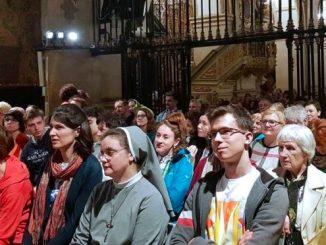 Czuwanie Pallotyńskiego Sekretariatu Misyjnego oraz Fundacji Salvatti miało miejsce na Jasnej Górze w nocy z 21 na 22 kwietnia z udziałem ponad 200 osób.