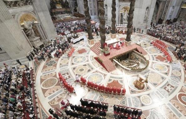Na zakończenie południowego spotkania z wiernymi na Placu św. Piotra Franciszek ogłosił zwołanie nowego konsystorza. Odbędzie się on 29 czerwca.