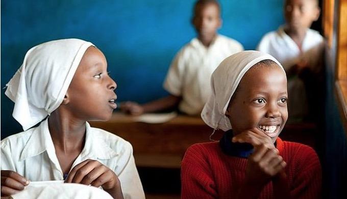 """14 wolontariuszy – okulistów, optometrystów i pielęgniarek wyruszy pod koniec lipca z misją medyczną """"Podaruj mi trochę światła"""" do Kenii."""