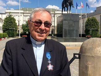 Ks. Marian Sajdak MS, wieloletni misjonarz na Madagaskarze, został 24 maja odznaczony Krzyżem Kawalerskim Orderu Zasługi Rzeczpospolitej Polskiej.