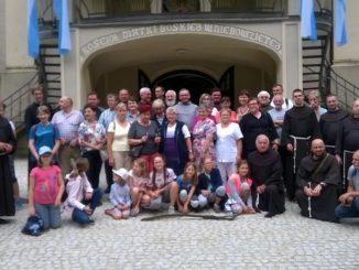 """W dniach 16-17 czerwca w Międzynawowym Sanktuarium św. Anny, Matki NMP w Górze św. Anny odbyła się 16 pielgrzymka przyjaciół misji franciszkańskich i Ziemi Świętej, <a class=""""mh-excerpt-more"""" href=""""http://www.zyciezakonne.pl/wiadomosci/kraj/relacja-z-16-pielgrzymki-przyjaciol-misji-franciszkanskich-77333/"""" title=""""Relacja z 16. pielgrzymki Przyjaciół Misji Franciszkańskich"""">[...]</a>"""