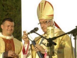 """W Parafii Bożego Ciała w Mińsku, którą opiekują się Ojcowie Karmelici Bosi, 31 maja na Uroczystej Mszy św. pobłogosławiono kamień węgielny pod budowę nowego kościoła <a class=""""mh-excerpt-more"""" href=""""https://www.zyciezakonne.pl/wiadomosci/swiat/karmelici-bosi-poswiecenie-kamienia-wegielnego-w-minsku-77084/"""" title=""""Karmelici Bosi: Poświęcenie kamienia węgielnego w Mińsku"""">[...]</a>"""