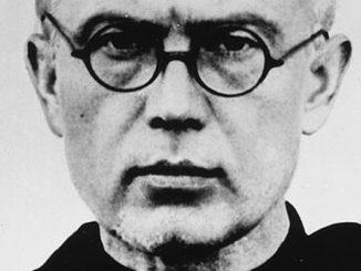 77 lat temu podczas apelu w niemieckim obozie Auschwitz franciszkanin Maksymilian Kolbe dobrowolnie oddał życie za współwięźnia Franciszka Gajowniczka
