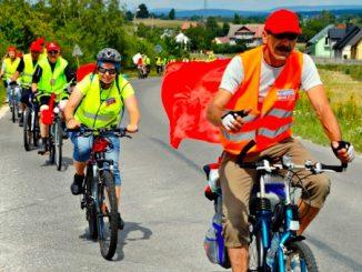 Nie tylko w oddzielnych grupach, ale także razem. Promieniście z całego kraju na Jasną Górę przyjechali rowerzyści tworząc pod częstochowską archikatedrą 13. ogólnopolską pielgrzymkę.