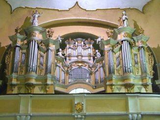 """""""Od muzyki piękniejsza jest tylko cisza"""" – ta sentencja, autorstwa francuskiego pisarza Paula Claudel towarzyszyła koncertom Drugiego Kobylińskiego Festiwalu Muzyki Organowej i Kameralnej. Ciszę dwóch <a class=""""mh-excerpt-more"""" href=""""https://www.zyciezakonne.pl/wiadomosci/kraj/od-muzyki-piekniejsza-jest-tylko-cisza-78000/"""" title=""""""""Od muzyki piękniejsza jest tylko cisza"""""""">[...]</a>"""