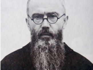 W byłym niemieckim obozie Auschwitz-Birkenau odbyły się uroczystości z okazji 77. rocznicy śmierci św. Maksymiliana Kolbego.