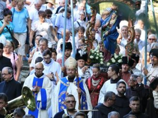 12 sierpnia, mszą świętą o 15.00 pod przewodnictwem bpa Damiana Muskusa OFM rozpoczęły się obchody Wielkiego Odpustu Wniebowzięcia NMP w Sanktuarium Pasyjno-Maryjnym w Kalwarii Zebrzydowskiej.