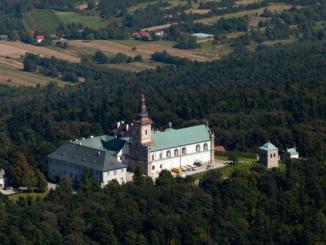 W niedzielę 16 września br., zakończyły się tygodniowe uroczystości odpustowe w sanktuarium relikwii Drzewa Krzyża Świętego na Świętym Krzyżu.