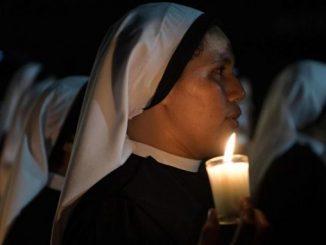 """Papież Franciszek wzywa osoby życia konsekrowanego do obudzenia na nowo swojego zapału misyjnego i większej obecności wśród najbardziej potrzebujących. Zachęta ta stanowi papieską intecję modlitewną <a class=""""mh-excerpt-more"""" href=""""https://www.zyciezakonne.pl/wiadomosci/swiat/papiez-niech-osoby-konsekrowane-ozywia-swa-misje-79605/"""" title=""""Papież: niech osoby konsekrowane ożywią swą misję"""">[...]</a>"""