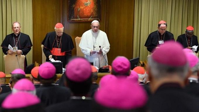 """Osobiste spotkanie z Chrystusem jest podstawą każdego powołania. Nigdy nie można go narzucić, powołanie zawsze pozostaje zaproszeniem. Wskazują na to uczestnicy Synodu Biskupów, którzy zaprezentowali <a class=""""mh-excerpt-more"""" href=""""https://www.zyciezakonne.pl/wiadomosci/swiat/synod-wiara-jest-przygoda-kosciol-musi-towarzyszyc-mlodym-w-ich-drodze-79630/"""" title=""""Synod: wiara jest przygodą, Kościół musi towarzyszyć młodym w ich drodze"""">[...]</a>"""