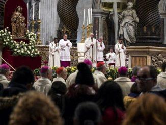 """""""Wspiąć się ku Bogu i zejść do braci – oto kurs wskazany przez Jezusa. To są prawdziwe skarby życia"""" – mówił Papież Franciszek podczas uroczystej <a class=""""mh-excerpt-more"""" href=""""https://www.zyciezakonne.pl/wiadomosci/swiat/wobec-biedy-chrzescijanin-nie-moze-stac-obojetnie-z-zalozonymi-rekami-80658/"""" title=""""Wobec biedy chrześcijanin nie może stać obojętnie z założonymi rękami"""">[...]</a>"""