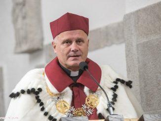 Ojciec Hubert Czuma SJ został dziś uhonorowany Medalem Jubileuszowym Katolickiego Uniwersytetu Lubelskiego.