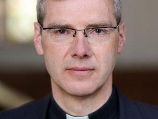 """My, biskupi, ciągle jeszcze jesteśmy zbyt aroganccy i nadęci. Musimy zejść na ziemię. Jesteśmy Kościołem tylko wtedy, gdy stoimy u boku ludzi– mówi niemiecki biskup <a class=""""mh-excerpt-more"""" href=""""https://www.zyciezakonne.pl/wiadomosci/swiat/bp-wilmer-naduzywanie-wladzy-tkwi-w-dna-kosciola-82231/"""" title=""""Bp Wilmer: Nadużywanie władzy tkwi w DNA Kościoła"""">[...]</a>"""