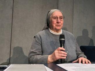 """""""Opowiem o współczesnym niewolnictwie; o tym, że Jezus wciąż cierpi na naszych ulicach, ale my nie chcemy tego widzieć"""" – mówi siostra Eugenia Bonetti, którą <a class=""""mh-excerpt-more"""" href=""""https://www.zyciezakonne.pl/wiadomosci/swiat/s-bonetti-w-koloseum-opowiem-o-drodze-krzyzowej-ofiar-handlu-ludzmi-85479/"""" title=""""S. Bonetti: w Koloseum opowiem o Drodze Krzyżowej ofiar handlu ludźmi"""">[...]</a>"""