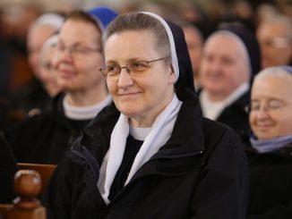"""Wszystkie zgromadzenia zakonne żeńskie będą modliły się w intencji kapłanów przez 9 tygodni, począwszy od 30 maja. Każdego dnia o godz. 20.30 siostry będą spotykały <a class=""""mh-excerpt-more"""" href=""""https://www.zyciezakonne.pl/wiadomosci/kraj/rozpoczyna-sie-9-tygodniowa-nowenna-modlitwy-w-intencji-ksiezy-i-osob-konsekrowanych-86556/"""" title=""""Rozpoczyna się 9-tygodniowa nowenna modlitwy w intencji księży i osób konsekrowanych"""">[...]</a>"""