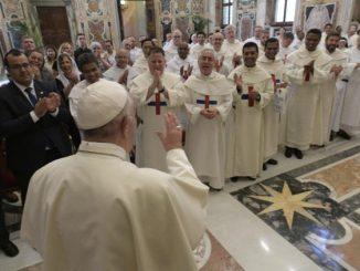 Na potrzebę ciągłego, pokornego i cierpliwego towarzyszenia młodym zwrócił uwagę Papież w przemówieniu skierowanym do członków Zakonu Trójcy Przenajświętszej zwanego trynitarzami.