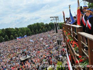 """28. Pielgrzymka Rodziny Radia Maryjatrwa na Jasnej Górze w niedzielę, 14 lipca. Na placu jasnogórskim modli się ok. 100 tys. słuchaczy toruńskiej rozgłośni, a także <a class=""""mh-excerpt-more"""" href=""""https://www.zyciezakonne.pl/wiadomosci/kraj/jasna-gora-28-pielgrzymka-rodziny-radia-maryja-87737/"""" title=""""Jasna Góra: 28. Pielgrzymka Rodziny Radia Maryja"""">[...]</a>"""