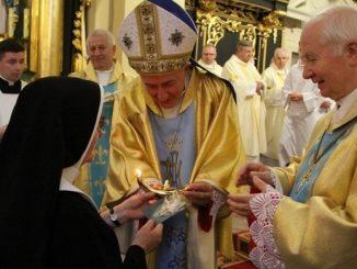 W dzień odpustu ku czci Wiśnickiej Pani siostry świętowały 100-lecie obecności i posługi w tej parafii. Są darem Niepodległej, a ich życie – sercem pisane.