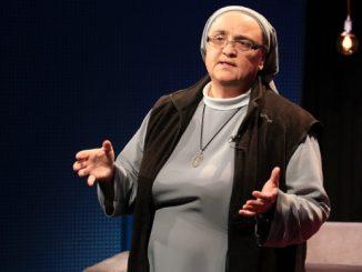 """Do bycia """"Ewangelią dla swoich najbliższych"""" namawiała s. Anna Bałchan ze Zgromadzenia Sióstr Maryi Niepokalanej, która była gościem kolejnego spotkania w hałcnowskiej bazylice w Bielsku-Białej."""