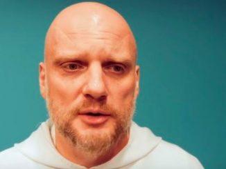 """Dominikanin będzie gościem cyklu spotkań """"Duchowość dla Warszawy"""" i postara się odpowiedzieć na pytanie: """"czy warto być w takim Kościele?""""."""