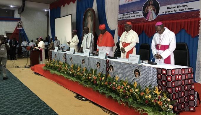 Stolica Burkina Faso, Wagadugu, stała się stolicą Bożego Miłosierdzia. Rozpoczął się tam Afrykański Kongres Bożego Miłosierdzia, który potrwa do 24 listopada.