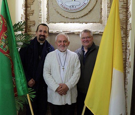 W niedzielę 16 listopada ojciec prowincjał Paweł Zając OMI rozpoczął braterską wizytę we wspólnocie Misjonarzy Oblatów Maryi Niepokalanej w stolicy Turkmenistanu, Aszchabadzie.