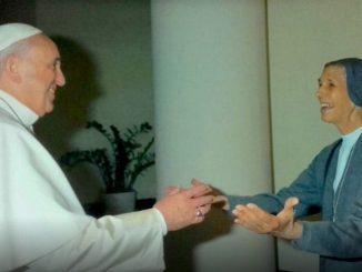 """Podczas zbliżającej się wizyty w Tajlandii w dniach 20-23 listopada, papież Franciszek spotka się ze swoją kuzynką. 77-letnia argentyńska zakonnica Ana Rosa Sivori ze Zgromadzenia <a class=""""mh-excerpt-more"""" href=""""https://www.zyciezakonne.pl/wiadomosci/swiat/w-tajlandii-franciszek-spotka-sie-ze-swoja-kuzynka-salezjanka-90957/"""" title=""""W Tajlandii Franciszek spotka się ze swoją kuzynką – salezjanką"""">[...]</a>"""