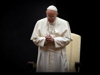 """""""Pokój jest dobrem cennym, przedmiotem naszej nadziei, do którego dąży cała ludzkość"""" – napisał Ojciec Święty Franciszek w orędziu na 53. Światowy Dzień Pokoju, obchodzony <a class=""""mh-excerpt-more"""" href=""""https://www.zyciezakonne.pl/wiadomosci/swiat/oredzie-ojca-swietego-franciszka-na-53-dzien-pokoju-92017/"""" title=""""Orędzie Ojca Świętego Franciszka na 53. Dzień Pokoju"""">[...]</a>"""