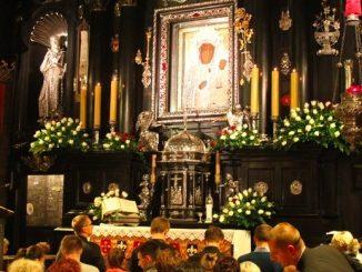 """8 grudnia przypadła 66. rocznica Apelu Jasnogórskiego. W tej formie jako wieczorna modlitwa kierowana do Maryi, Królowej Polski i Matki Kościoła w intencji Ojczyzny i <a class=""""mh-excerpt-more"""" href=""""https://www.zyciezakonne.pl/wiadomosci/kraj/apel-jasnogorski-ma-66-lat-91628/"""" title=""""Apel Jasnogórski ma 66 lat"""">[...]</a>"""