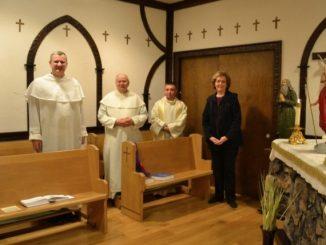 W domu zakonnym Ojców Paulinów w Buffalo w Stanach Zjednoczonych, w klasztornej kaplicy, 23 kwietnia zostały poświęcone stacje Drogi Krzyżowej.