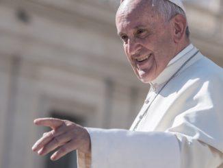 """""""Młodzieńcze, tobie mówię wstań"""" to temat tegorocznego orędzia Ojca Świętego Franciszka z okazji Światowego Dnia Młodzieży, który co roku w Niedzielę Palmową obchodzony jest w <a class=""""mh-excerpt-more"""" href=""""https://www.zyciezakonne.pl/wiadomosci/swiat/oredzie-na-xxxv-swiatowy-dzien-mlodziezy-mlodziencze-tobie-mowie-wstan-94027/"""" title=""""Orędzie na XXXV Światowy Dzień Młodzieży: """"Młodzieńcze, tobie mówię wstań"""""""">[...]</a>"""