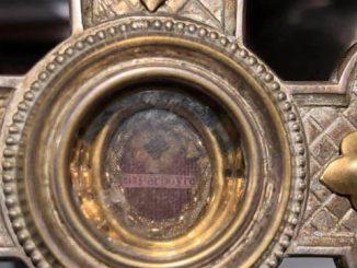 W bazylice mniejszej w Bolesławcu znaleziono relikwie świętego z… Wuhan!