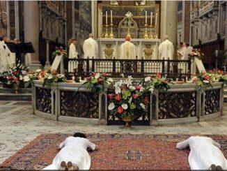 Do bycia kobietami miłosierdzia i ekspertkami od człowieczeństwa, które wierzą w rewolucyjną moc delikatności i czułości Papież Franciszek zachęca konsekrowane dziewice.