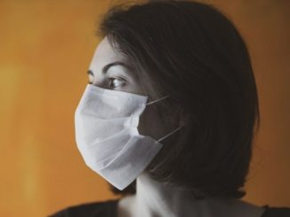 Wybuch epidemii koronawirusa był wstrząsem, który uruchomił nowe procesy w polskim społeczeństwie. Antypandemiczne restrykcje mocno wpłynęły na przeżywane wspólnotowo praktyki religijne.
