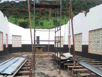 """Każdego roku początkowi pory deszczowej w środkowym Togo towarzyszą silne burze i huragany. Tegoroczna wichura zerwała dach zakrystii i kościoła w wiosce Kagniangbara, jednej z <a class=""""mh-excerpt-more"""" href=""""https://www.zyciezakonne.pl/wiadomosci/swiat/werbisci-kieruja-na-mnie-wzrok-pelen-nadziei-98437/"""" title=""""Werbiści: Kierują na mnie wzrok pełen nadziei"""">[...]</a>"""